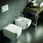 Sanitari bagno sospesi Hatria serie Bianca Bidet e Vaso WC con sedile Foto 2