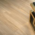 Versace ceramics Gold 25×75 pavimento 20×120 Legno beige interno